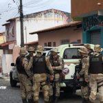 Maiquinique: Motoqueiro é preso por tráfico após tentar fugir da Cipe Sudoeste